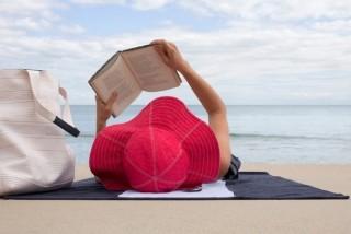 Чому не рекомендується читати книгу лежачи